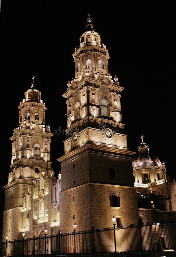όψη νύχτας του Μορέλια καθεδρικών ναών στοκ φωτογραφία με δικαίωμα ελεύθερης χρήσης