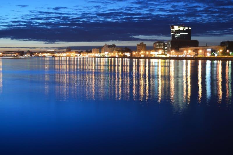 όψη ποταμών νύχτας neva στοκ φωτογραφίες με δικαίωμα ελεύθερης χρήσης