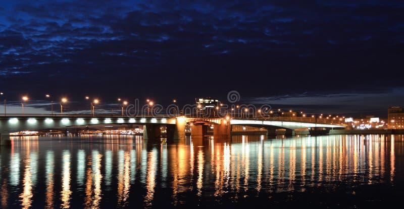 όψη της Πετρούπολης ST νύχτα&sigma στοκ εικόνες με δικαίωμα ελεύθερης χρήσης