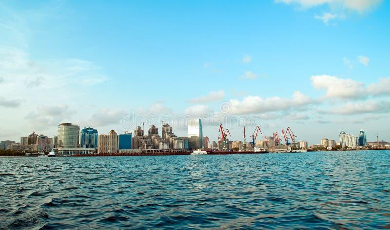 Όψη του Μπακού από τη θάλασσα στοκ φωτογραφίες