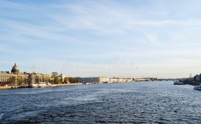 Όψη του ποταμού Neva στοκ φωτογραφία με δικαίωμα ελεύθερης χρήσης