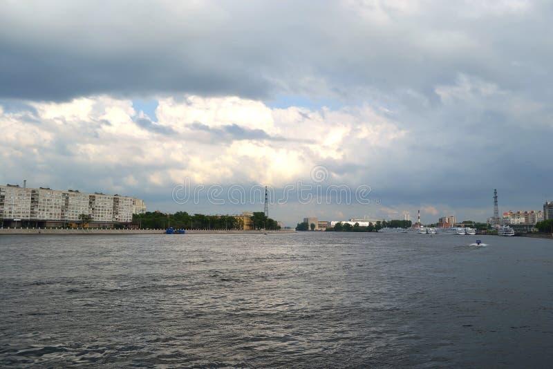 όψη του ST ποταμών της Πετρούπολης neva στοκ φωτογραφίες με δικαίωμα ελεύθερης χρήσης