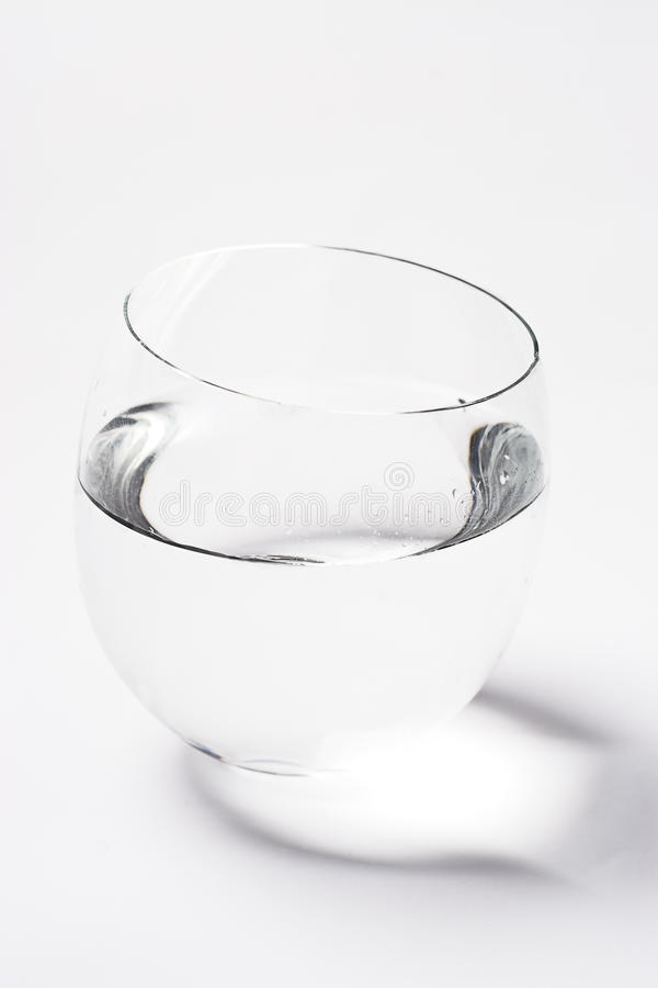 ύδωρ κύπελλων στοκ εικόνες με δικαίωμα ελεύθερης χρήσης