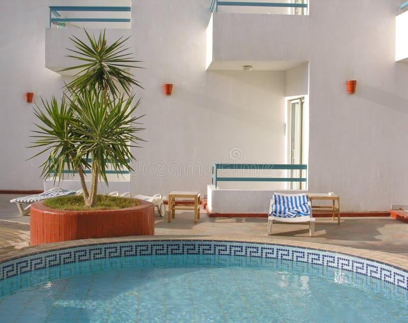 ύδωρ λιμνών 2 ξενοδοχείων στοκ φωτογραφίες
