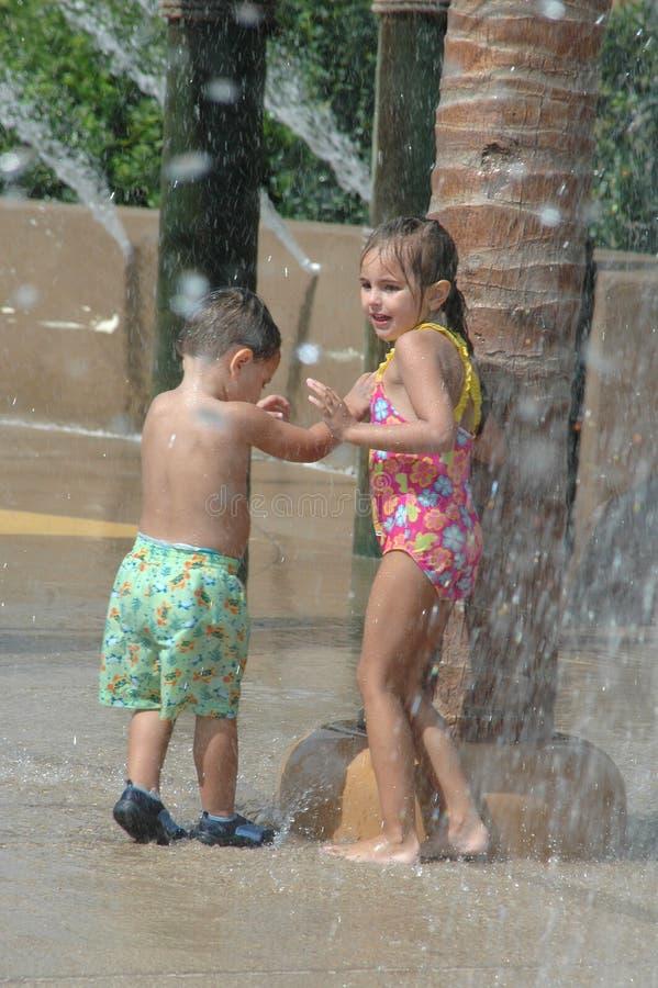 ύδωρ παιδικών χαρών πάρκων στοκ εικόνες
