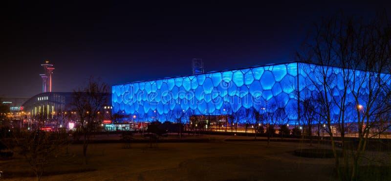 ύδωρ σκηνής νύχτας κύβων στοκ εικόνες με δικαίωμα ελεύθερης χρήσης