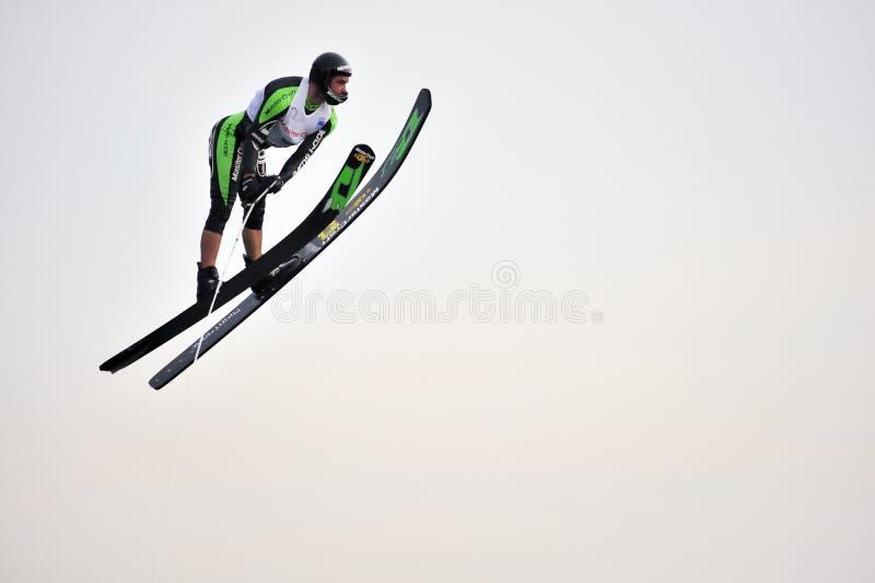ύδωρ σκι ατόμων άλματος ενέργειας στοκ φωτογραφίες με δικαίωμα ελεύθερης χρήσης