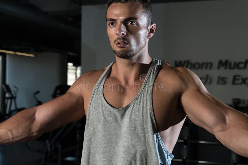 Ώμος Workout στοκ εικόνες με δικαίωμα ελεύθερης χρήσης
