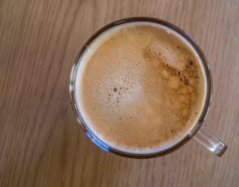 Ώρα για καφέ - Μια κούπα καφέ με θέα στην κορυφή στοκ φωτογραφίες με δικαίωμα ελεύθερης χρήσης