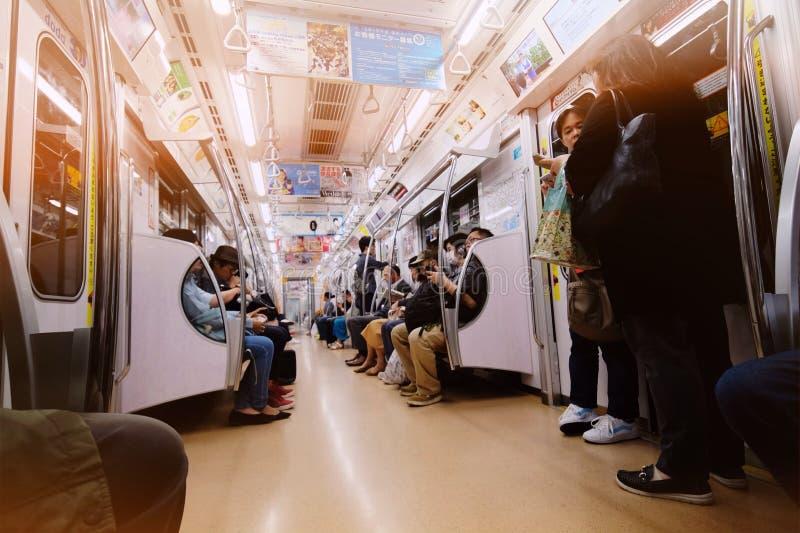 Ώρες κυκλοφοριακής αιχμής στο υπόγειο τρένο μετρό του Τόκιο στοκ εικόνα με δικαίωμα ελεύθερης χρήσης