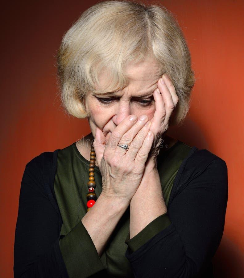 Ώριμη γυναίκα με τα προβλήματα στοκ φωτογραφίες με δικαίωμα ελεύθερης χρήσης