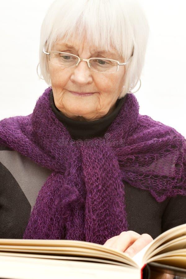 ώριμη ηλικιωμένη γυναίκα αν στοκ φωτογραφίες με δικαίωμα ελεύθερης χρήσης