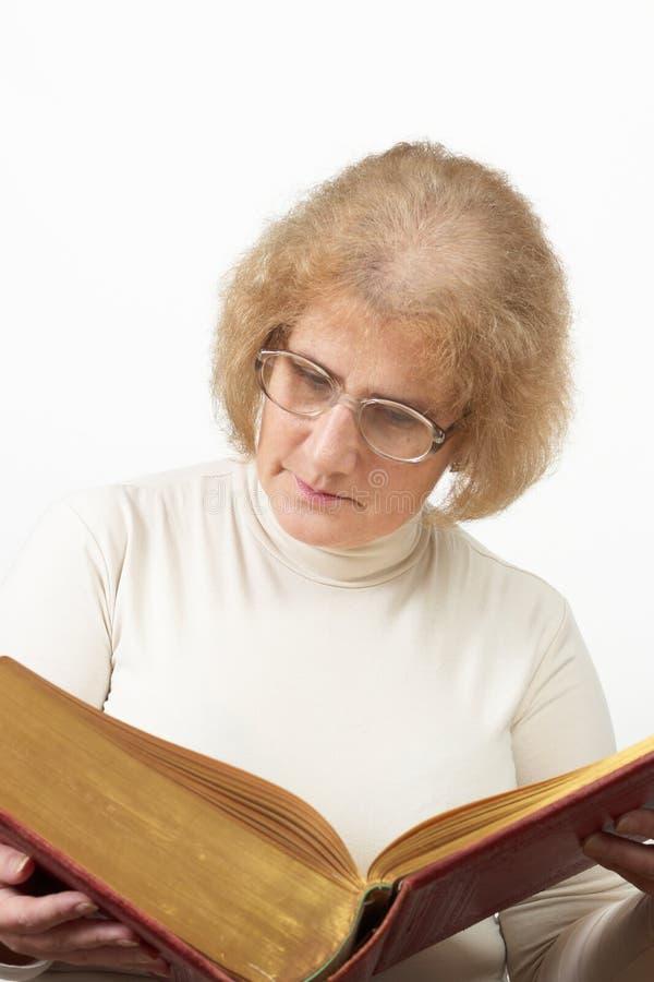 ώριμη ηλικιωμένη γυναίκα αν στοκ φωτογραφία με δικαίωμα ελεύθερης χρήσης