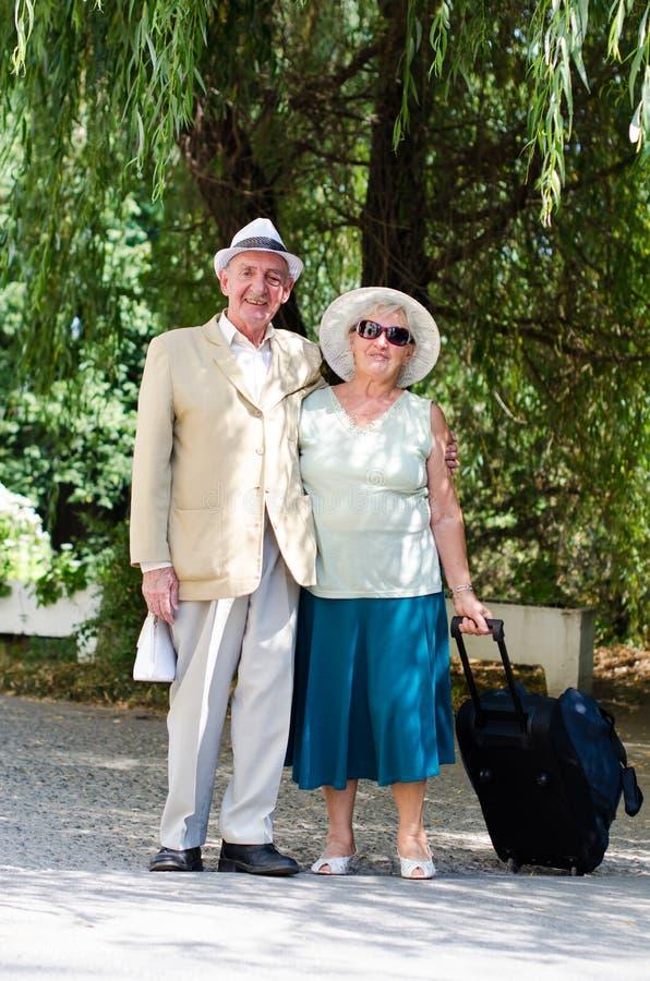 Ώριμο ζωτικής σημασίας ηλικιωμένο ζεύγος στοκ εικόνα