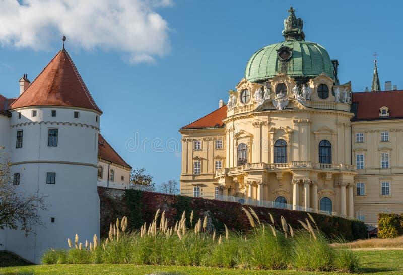 Аббатство монастыря Клостернойбурга на солнечный день стоковое изображение rf