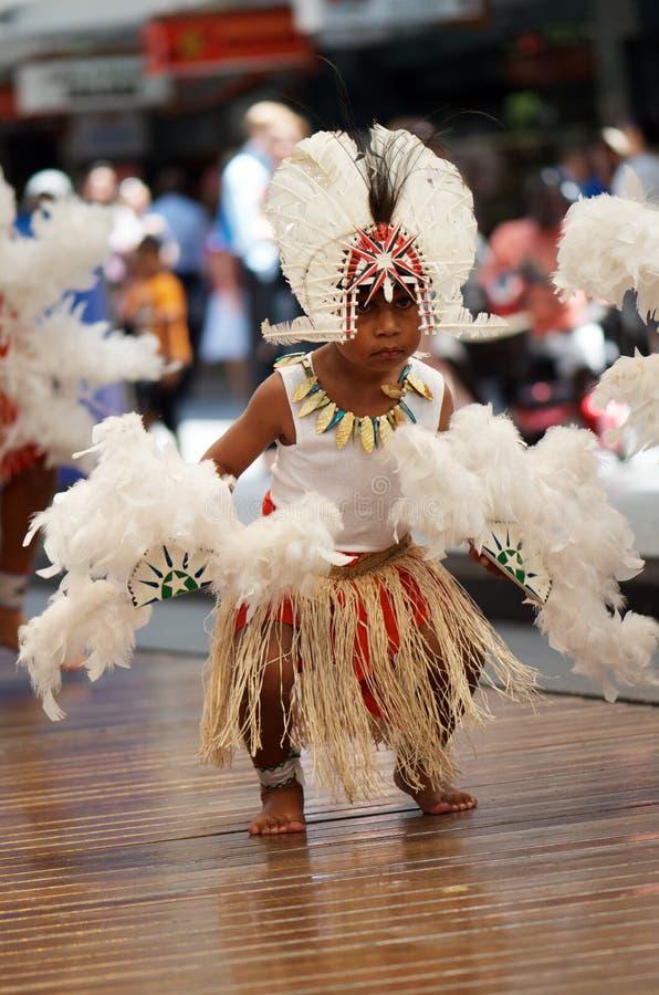 аборигенный costume мальчика стоковая фотография rf