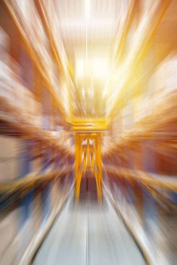 Абстрактная запачканная предпосылка индустрии с нерезкостью движения и световыми эффектами Включающ в набор отложенных изменений  стоковые изображения