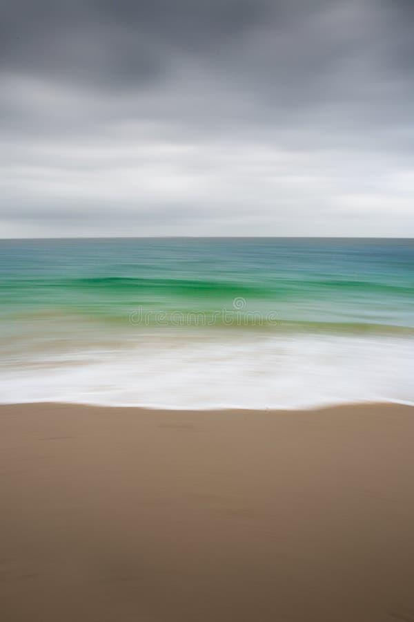 Абстрактная изумрудная нерезкость океана стоковые изображения