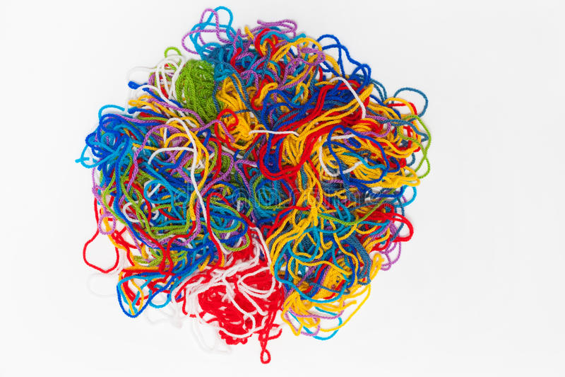 Абстрактная картина пряжи, цвет продевает нитку пук изолированный на белизне стоковое фото rf