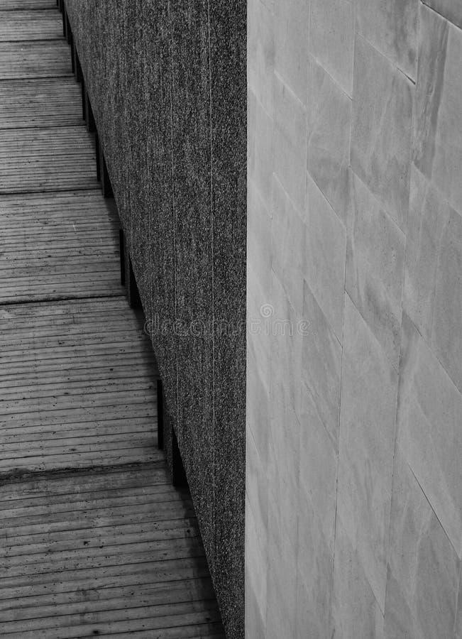 Абстрактная конкретная угловая стена с различными текстурами стоковое фото rf