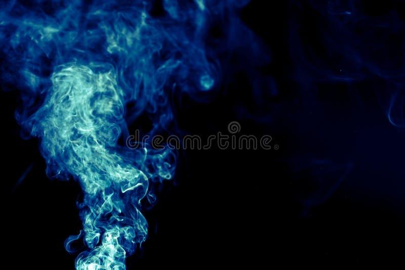 Абстрактная предпосылка с дымом сини покрашенным стоковая фотография rf