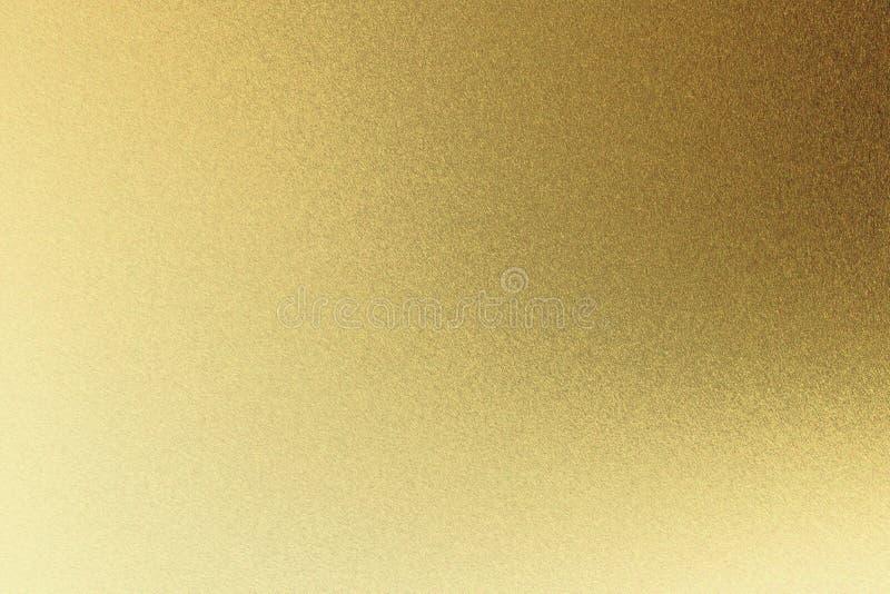 Абстрактная предпосылка текстуры, светлый светить на грубой золотой стене металла иллюстрация штока