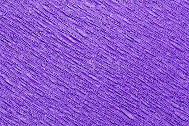 Абстрактная текстурированная предпосылка пурпура крепирует бумагу стоковые фотографии rf