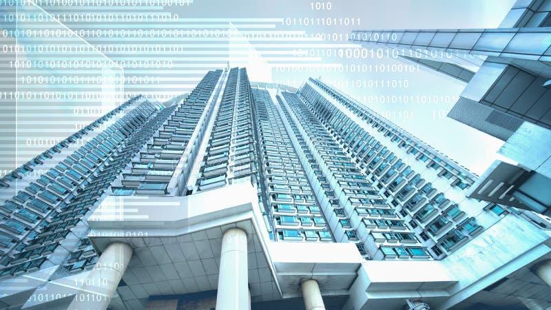 Абстрактная цифровая предпосылка дела цифрового верхнего слоя знака с небоскребом в концепции дела недвижимости с цифровым стоковая фотография rf