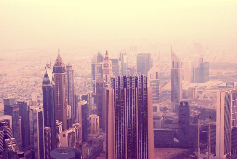 Абстрактное розовое утро в Дубай стоковые фото