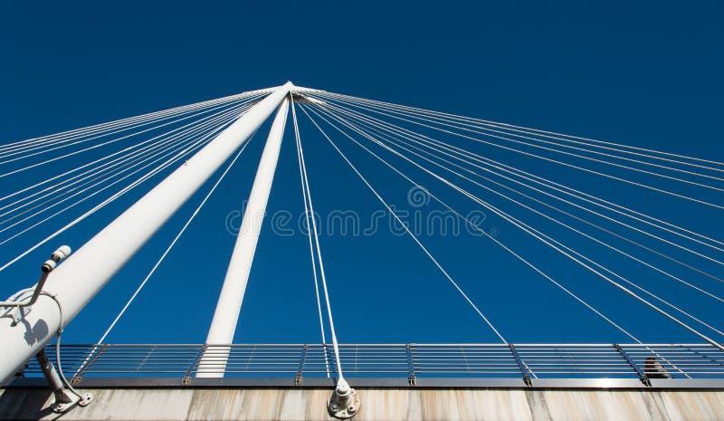 Абстрактные детали современной архитектуры моста стоковые изображения