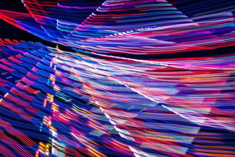 Download Абстрактные светлые штриховатости на черноте Стоковое Изображение - изображение насчитывающей картина, ярко: 41663169