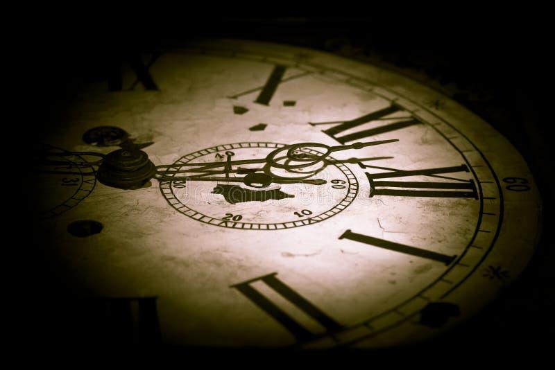 Абстрактные темные часы стоковое изображение