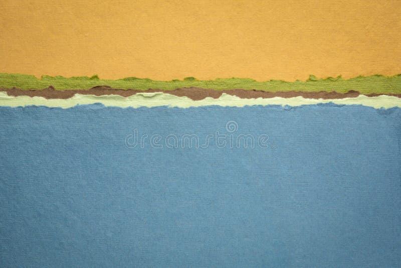 Абстрактный пейзаж голубого озера, созданный рукотворной индийской бумагой стоковое изображение rf