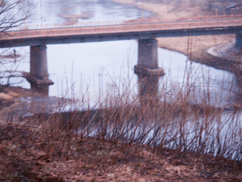 Абстрактный снег около предпосылки ландшафта моста перехода стоковое фото rf