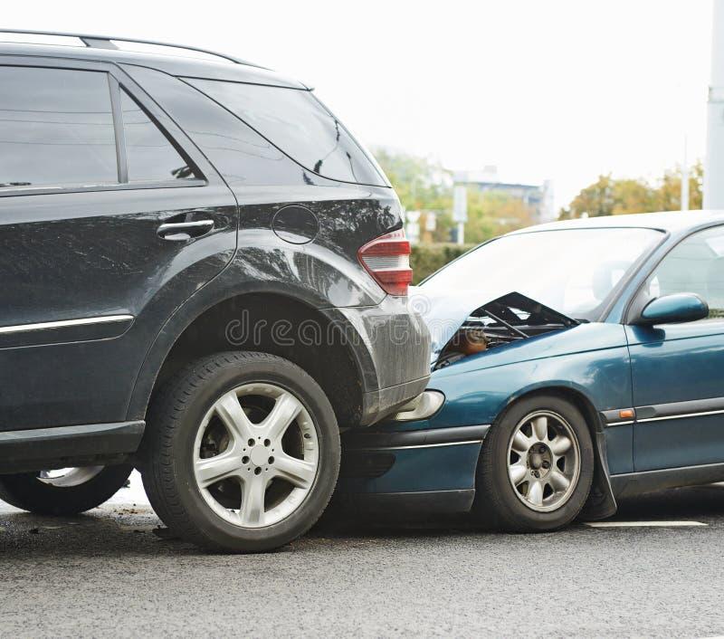 Авария автокатастрофы на улице стоковая фотография rf