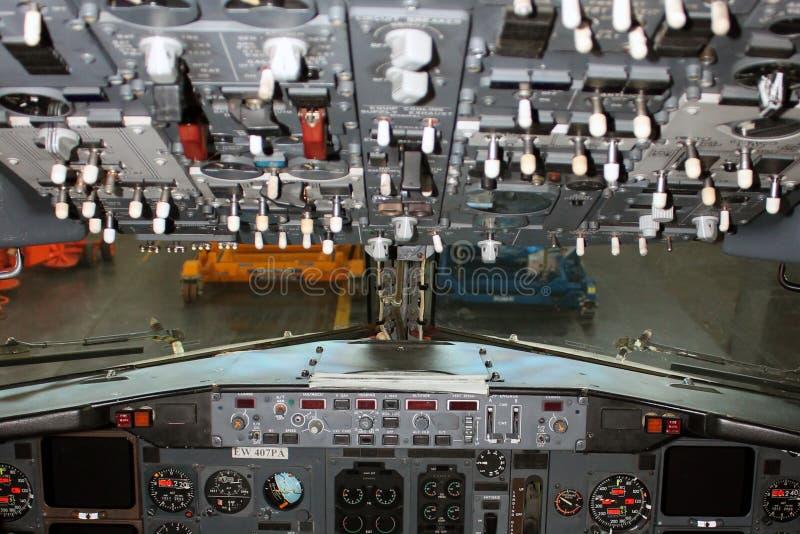 Авиакомпании Боинга 737-300 Belavia арены стоковое изображение rf
