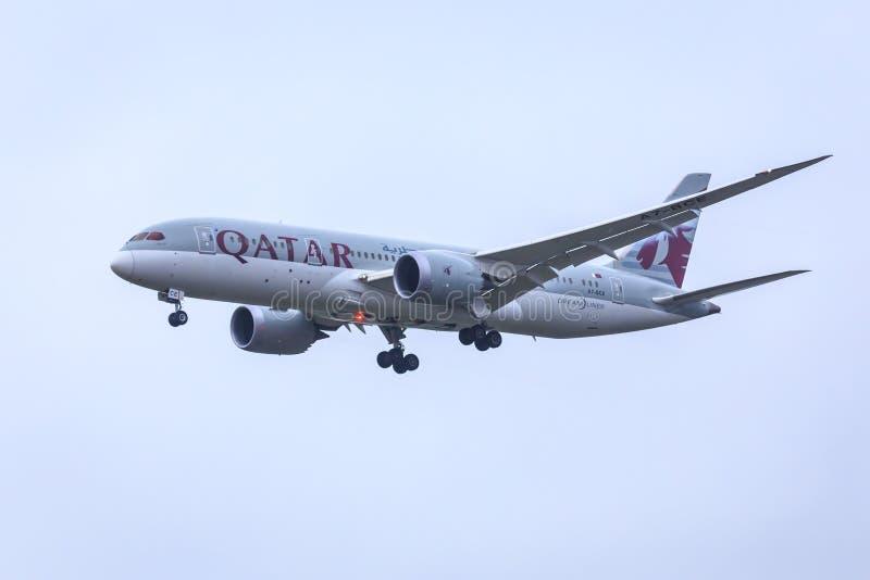 Авиакомпании Боинг 787 Катара стоковые фотографии rf