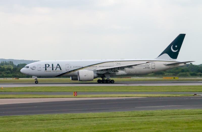 Авиакомпании Боинг 777 PIA стоковые фото