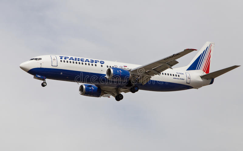 Авиакомпании Боинг 737 Transaero стоковые изображения rf
