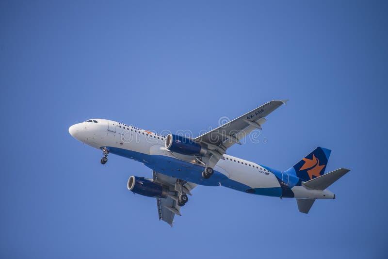 Download Авиакомпании Israir, Израиль, аэробус A320-232 Редакционное Фотография - изображение насчитывающей щиток, жара: 33737027