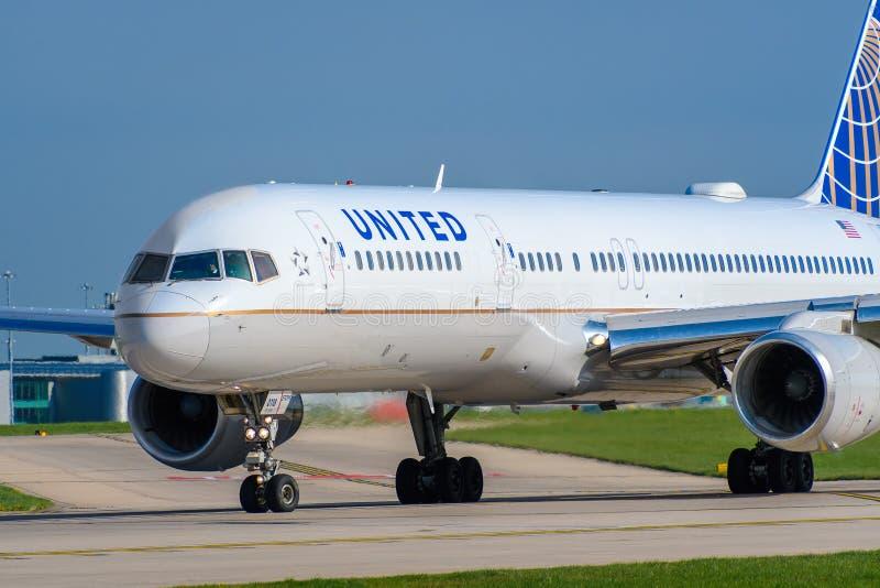 757 авиакомпаний соединенный Боинг стоковая фотография rf
