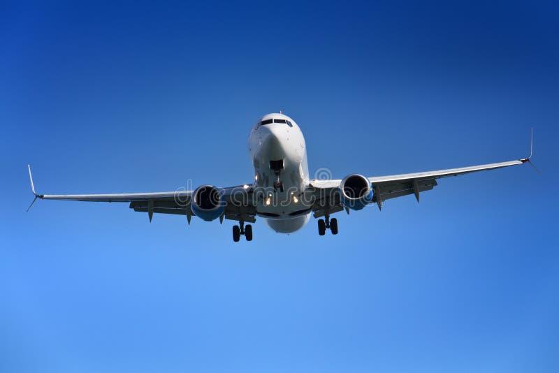 Авиапорт аэроплана причаливая стоковая фотография