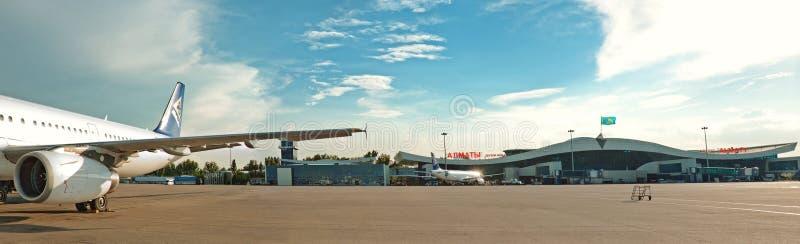 Авиапорт Алма-Аты панорамы стоковая фотография rf