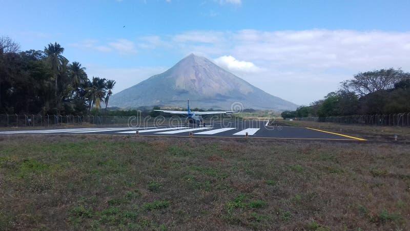 Авиапорт вулкана стоковые изображения