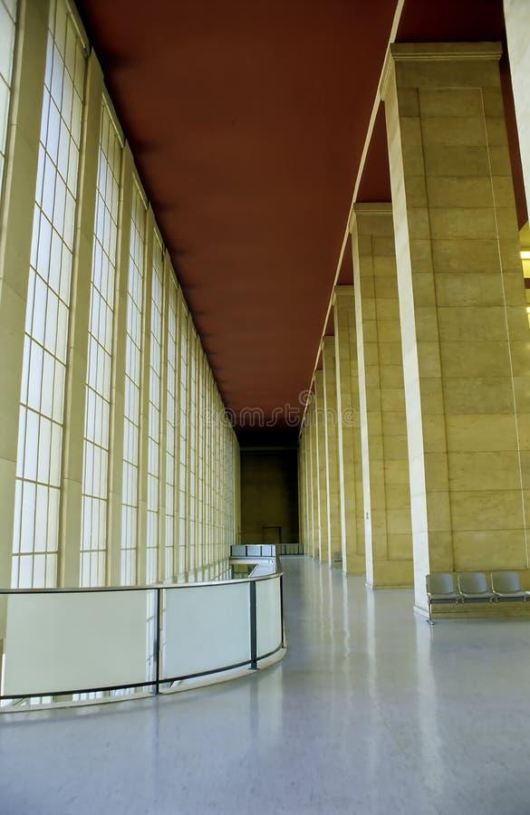авиапорт berlin внутри s tempelhof стоковое изображение rf