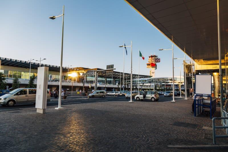 авиапорт fiumicino rome стоковое фото rf