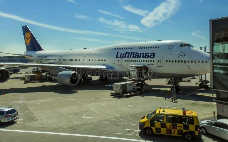авиапорт frankfurt стоковые фото