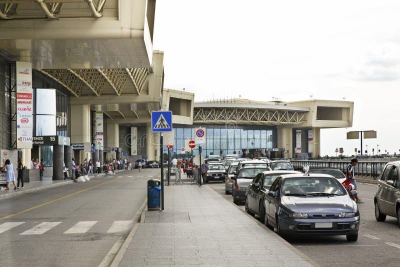 Авиапорт Malpensa в милане Ломбардия Италия стоковые изображения rf