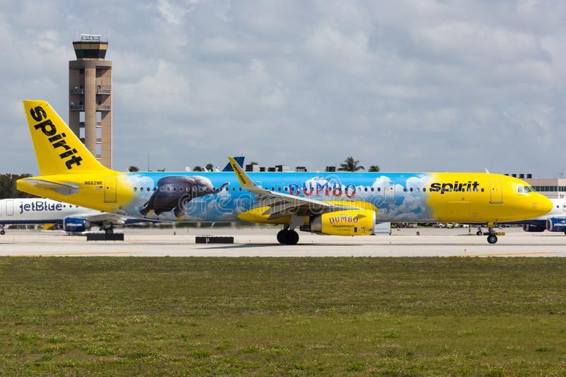 Авиасамолет Spirit Airlines Airbus A321, аэропорт Форт-Лодердейл, специальный ливери Думбо стоковое изображение