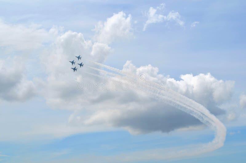 Авиасалон буревестников военновоздушной силы - 4 самолета стоковые фото